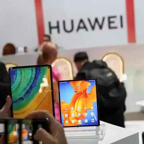Huawei to cut smartphone production by over 50% this year